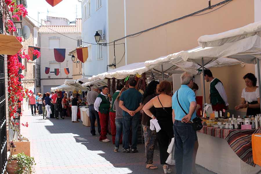 Mercadillo de artesanía y productos locales - EL ZACATÍN
