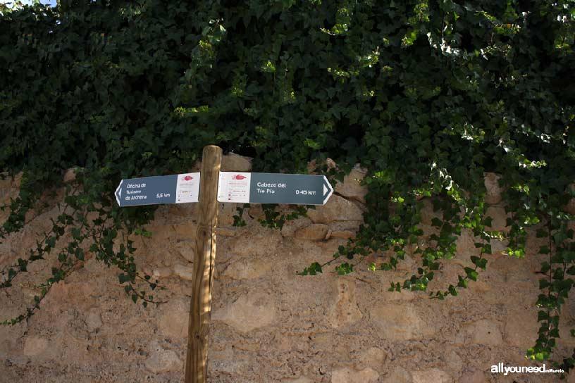 Cabezo del Tío Pío, poblado íbero. Cartel indicador sendero