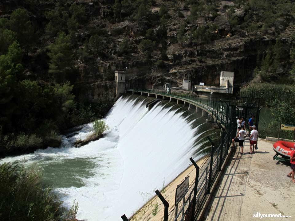 Descent of Almadenes Canyon. Calasparra and Cieza