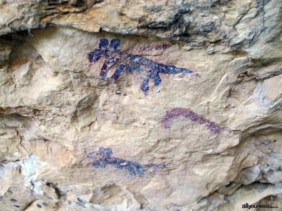 Los Abrigos del Pozo. Cueva de los Monigotes