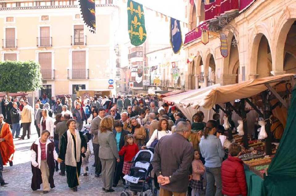 Fiestas de San Clemente en Lorca. Mercado medieval en la Plaza de España