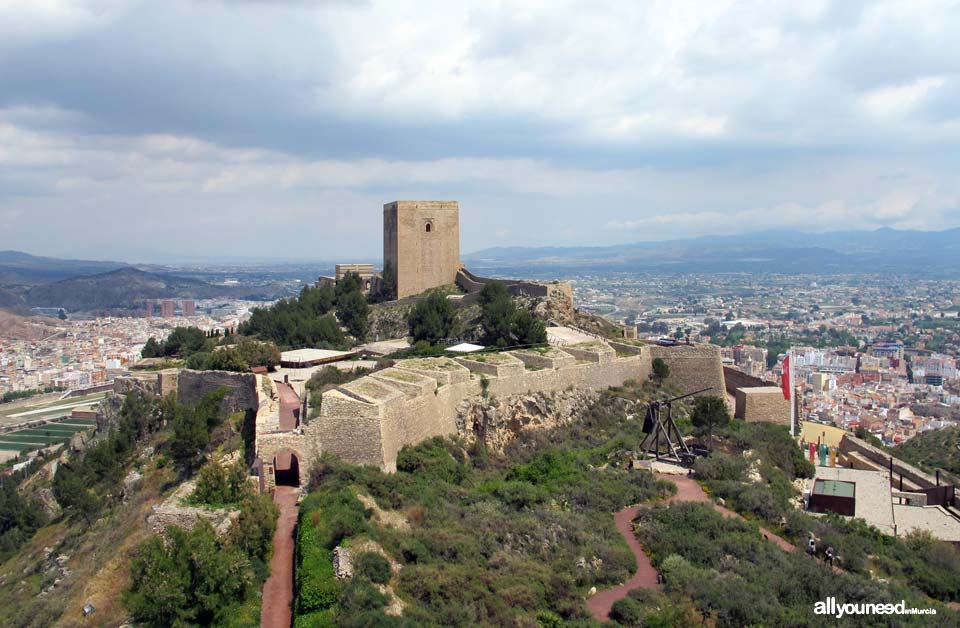 Tourism in Murcia, a hang-up free region. Lorca castle