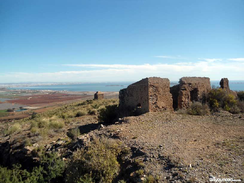 El Cabezo de San Ginés, en la cima. Espacios del Mar Menor