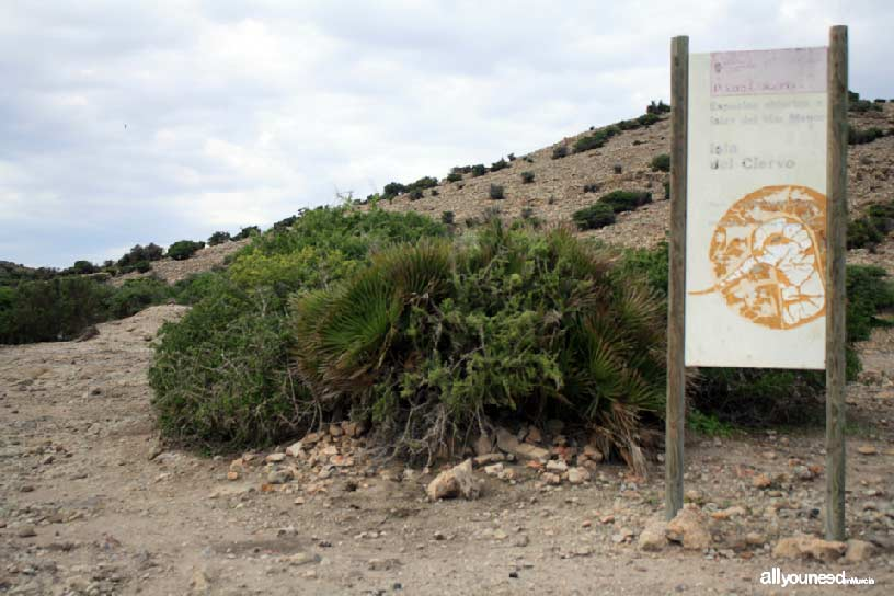 Isla del Ciervo en el Mar Menor. Cartel de bienvenida