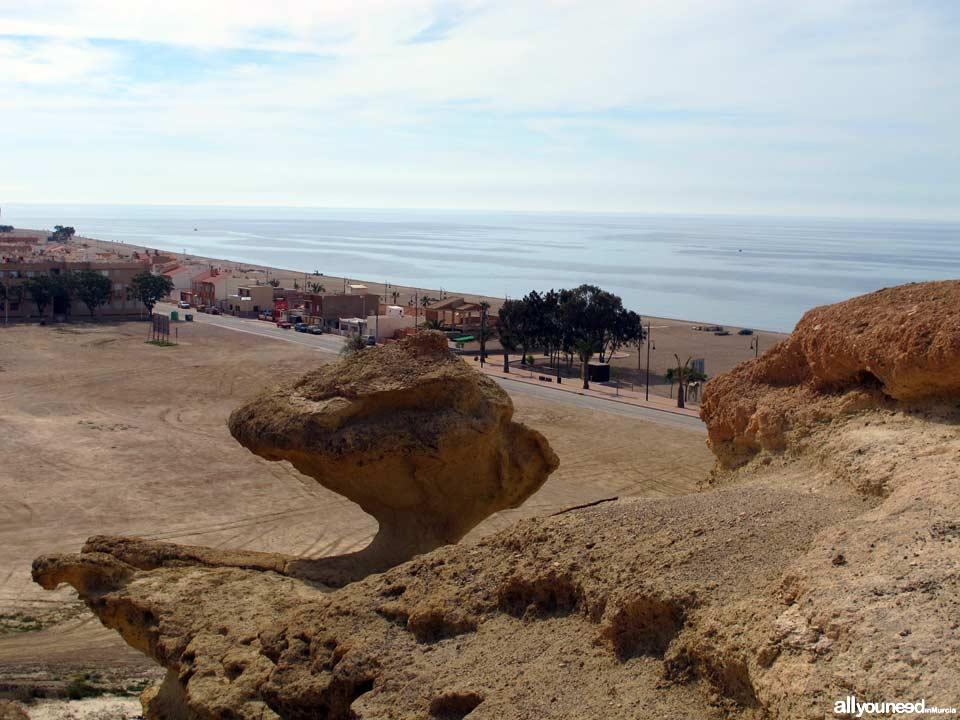 Playa de Bolnuevo y erosiones de Mazarrón