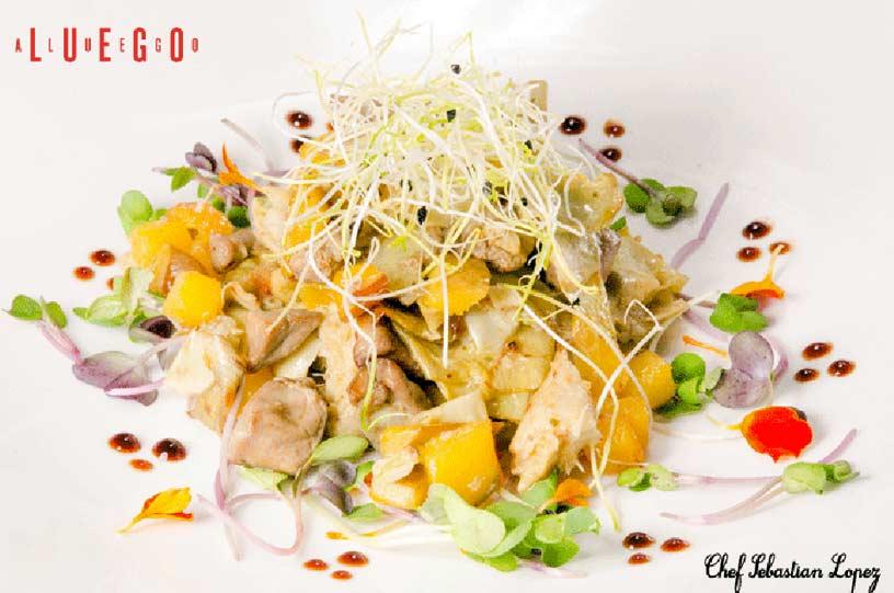 Restaurante Luego a Luego. Salteado de alcahozas con foie, mango y flores