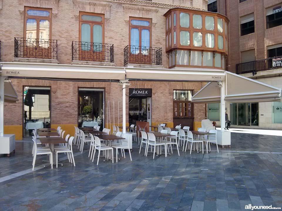 Restaurante El Romea by Tiquismiquis. Fachada y Terraza