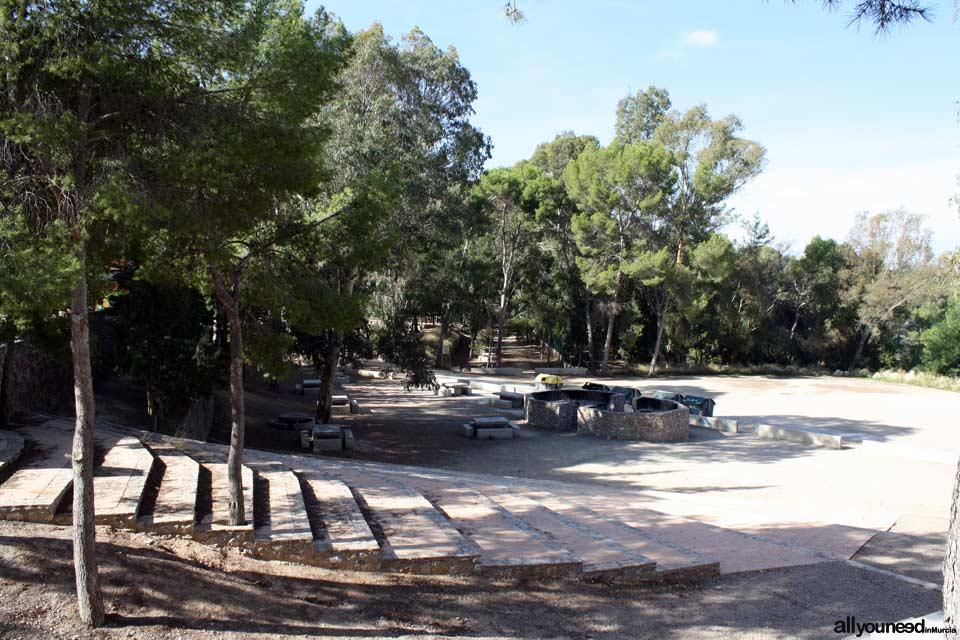 Centro de Visitantes el Valle en Murcia. Área recreativa la Balsa