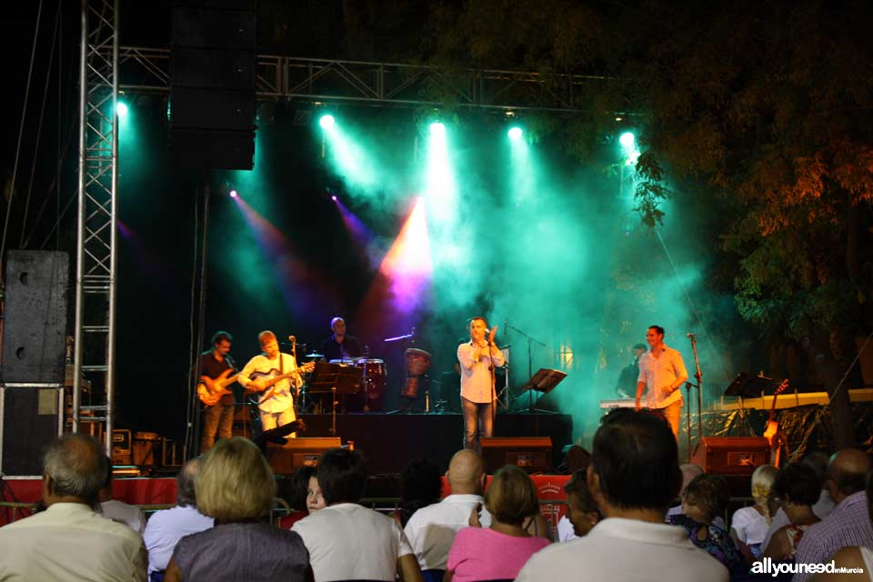 Murcia's September Fair. los Duendes musical group