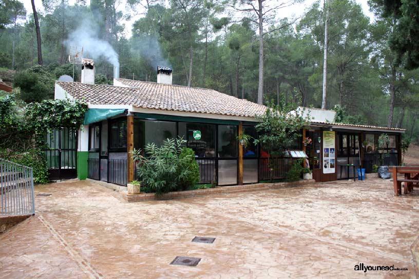 Restaurante Fuente del Hilo en Sierra Espuña. Alhama de Murcia