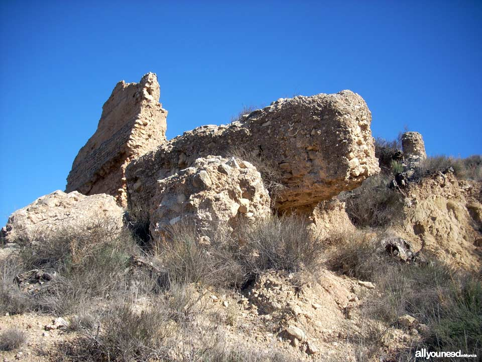 Ruta Castillo de las Paleras y Senda de la Muela SL-MU6 en Pliego. Castillo de las Paleras