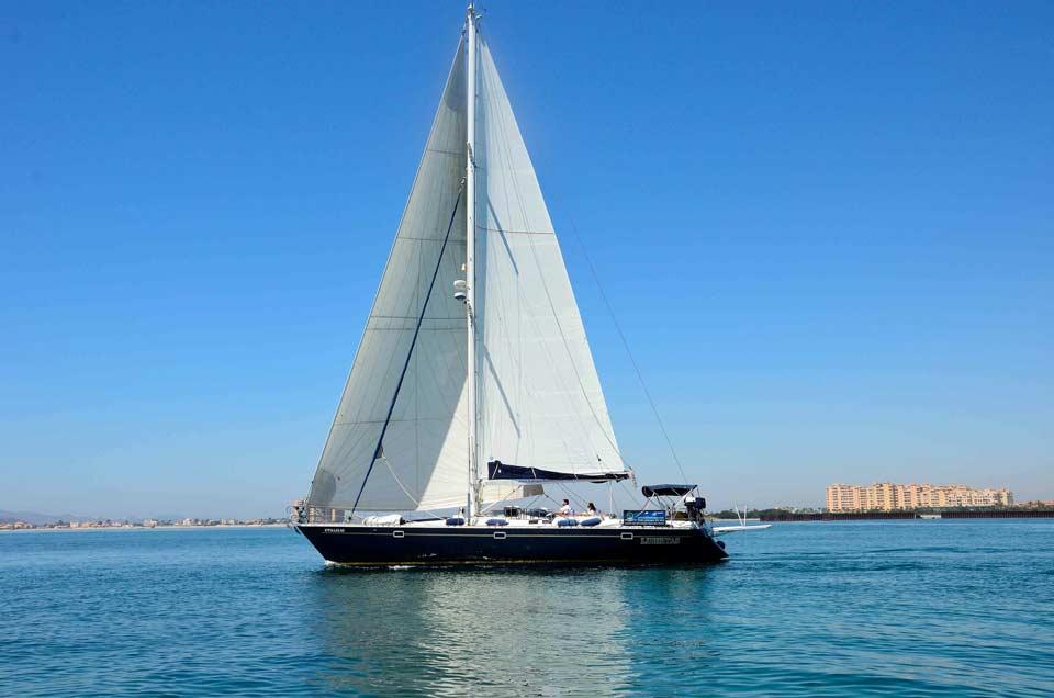 Turismo Activo y de Aventura en Murcia. Rutas en velero