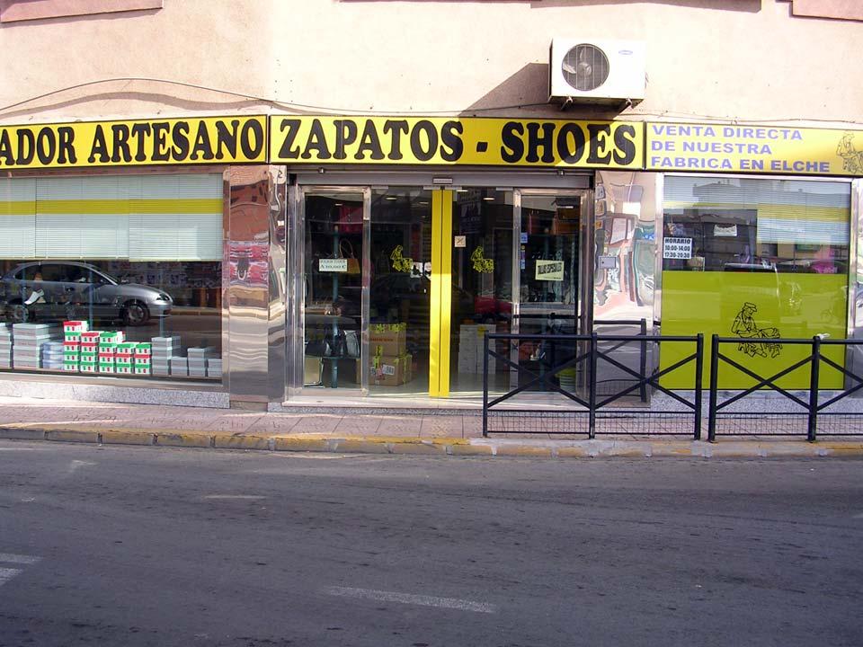 """Salvador Artesano """"Zapatos para todos"""". Tienda en Mazarrón"""