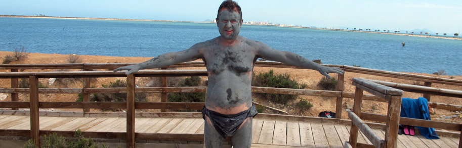 Mud baths in la Mota beach