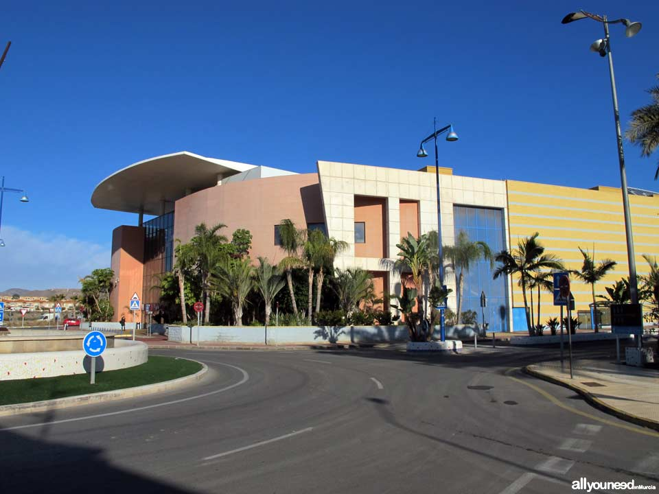 Aguilas Plaza Shopping Center