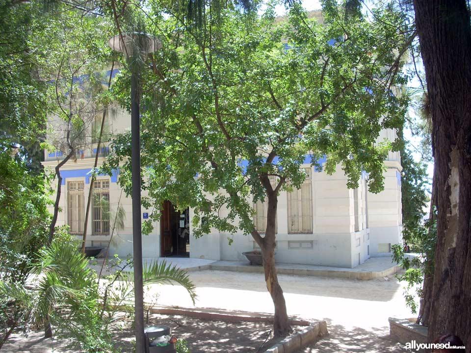 Small Palace of Villarias