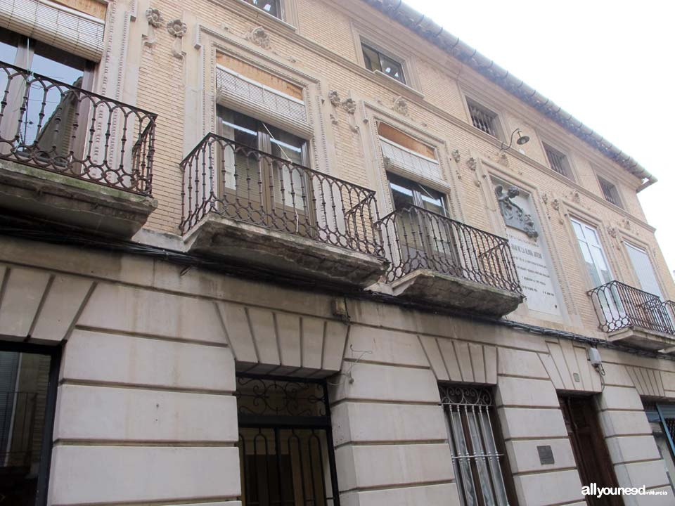 House of Mr. Juan de la Gloria Artero