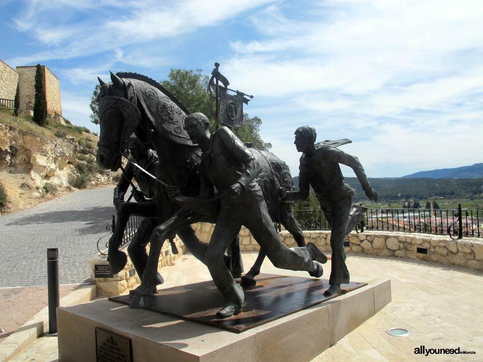 Estatua Caballos del Vino.Castillo de Caracava. Castillos de España