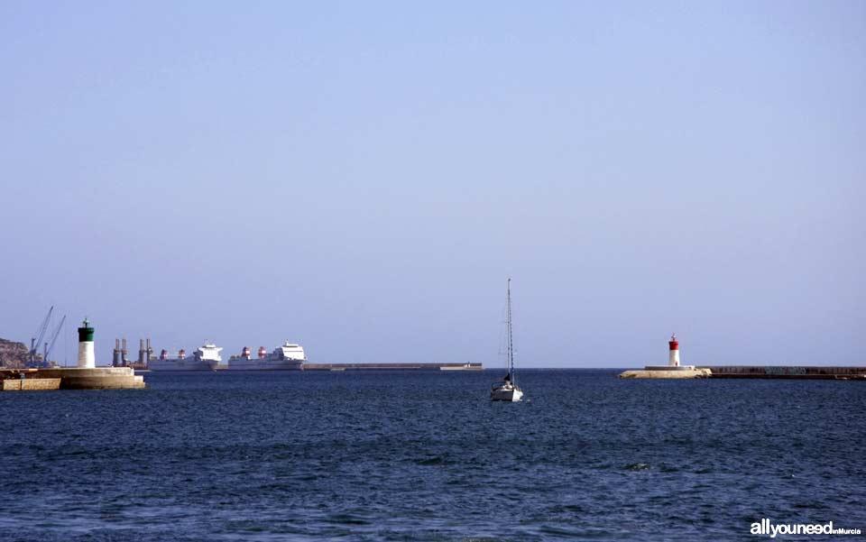 Faro del Dique de la Curra (verde) y Faro del Dique de Navidad (Rojo) en Cartagena. Murcia