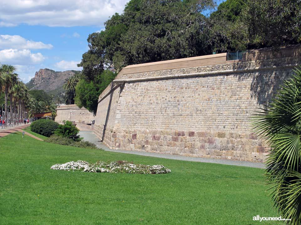 Muralla Carlos III