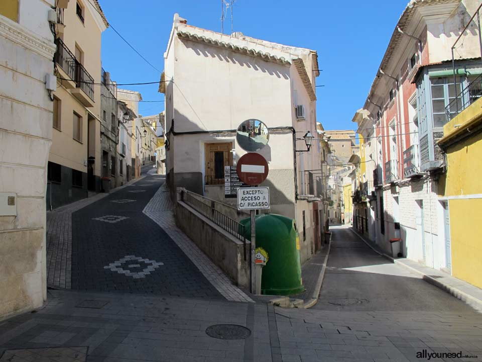 Calle Cuesta Mayor de Abajo y calle Cuesta Moreno