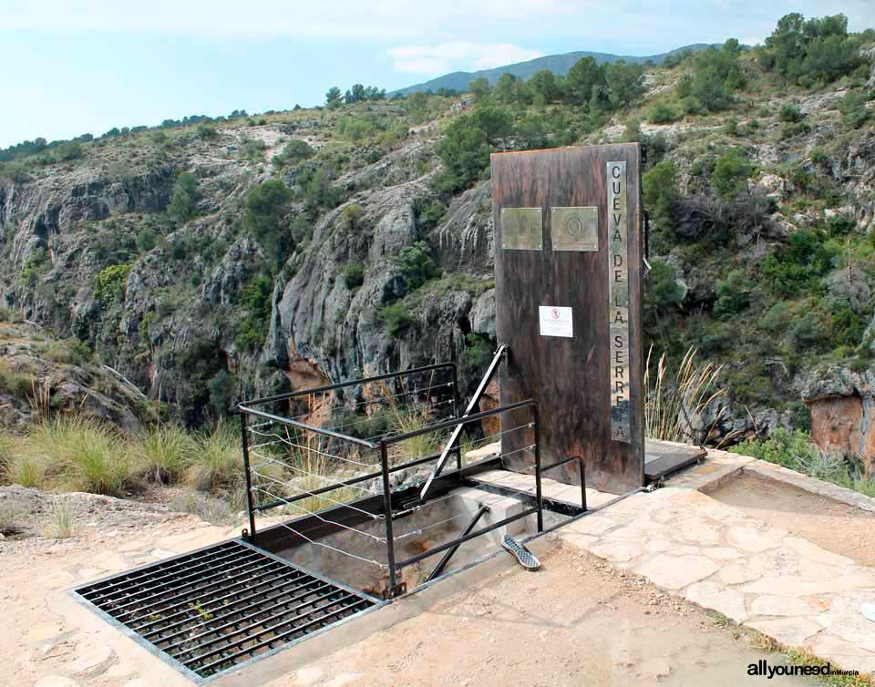 Cueva Sima de La Serreta en Cieza
