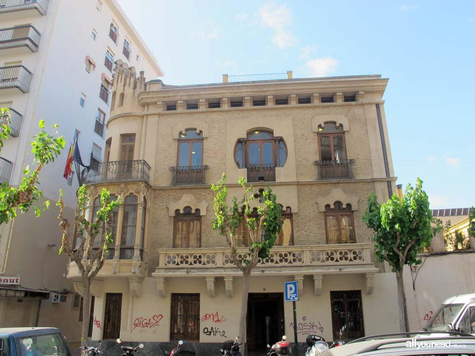 Díaz Cassou Palace