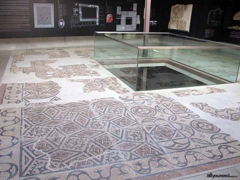 Palacio Del Concejo y Museo Arqueológico
