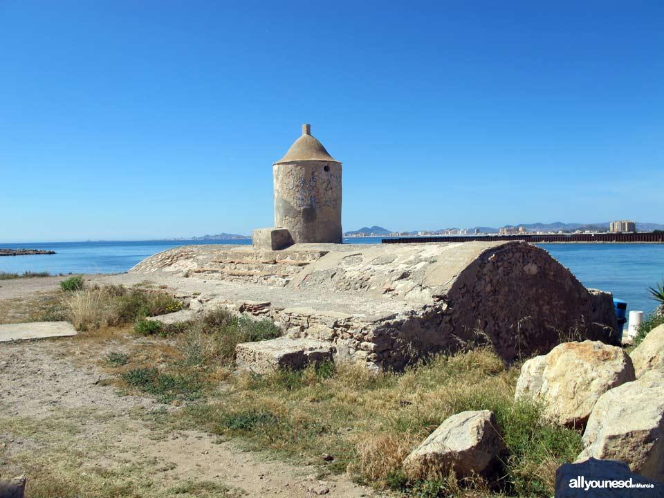Faro del Estacio en la Manga del Mar Menor. Murcia