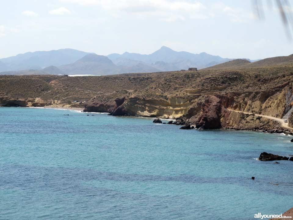 Cuevas Lobos al fondo. Playas de Mazarrón