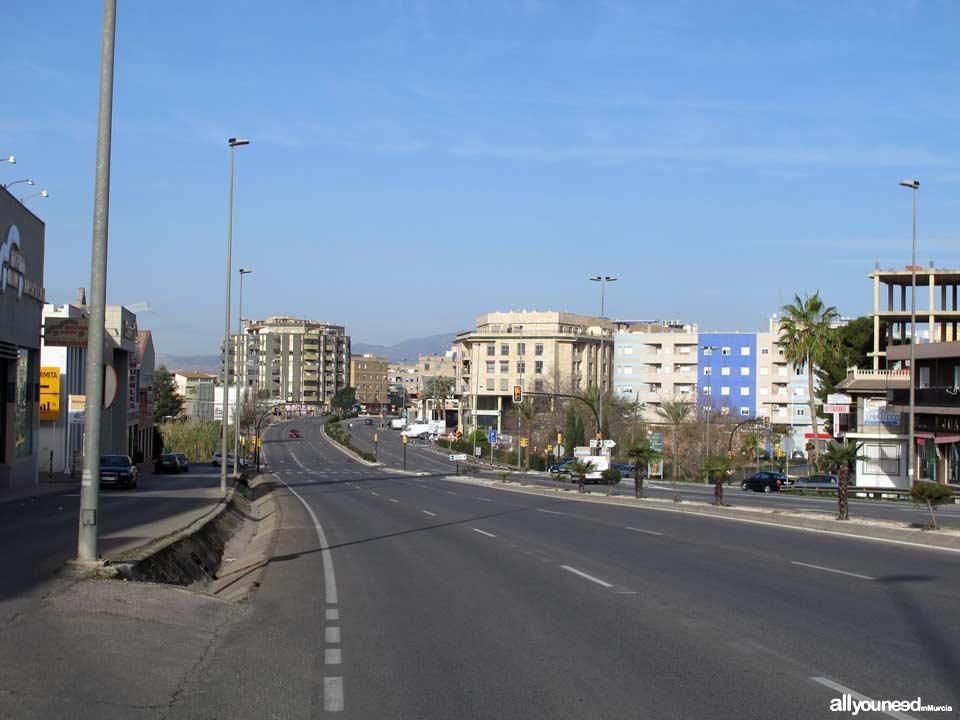 Avda. de la Industria. Entrada desde Murcia