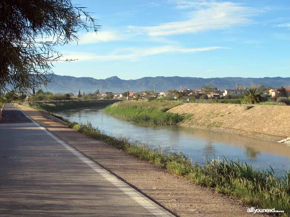 Parque Regional El Valle y Carrascoy desde el Río Segura en Murcia