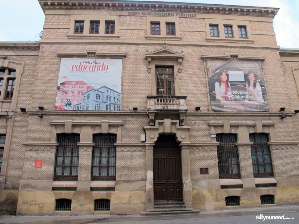 Edificio Grupo Escolar Cierva Peñafiel