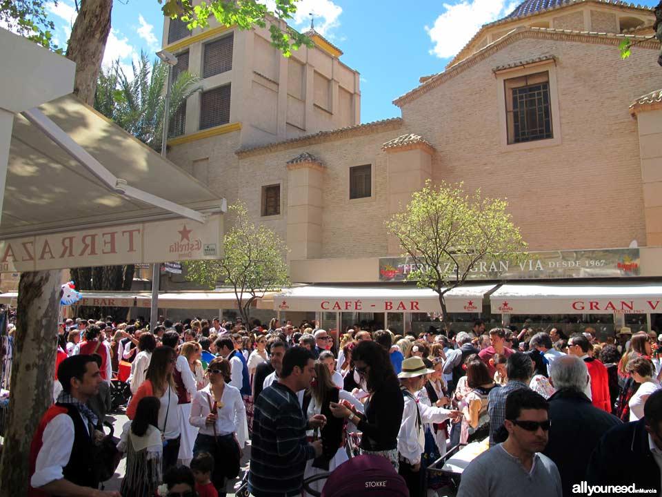Paseo Alfonso X el Sabio, martes por la mañana