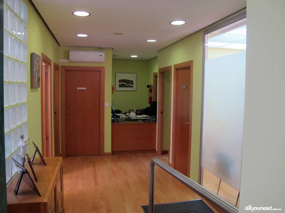 Clínica Dental Doctores Mompeán Gambín