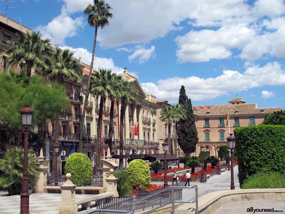 Streets in Murcia. Glorieta de España