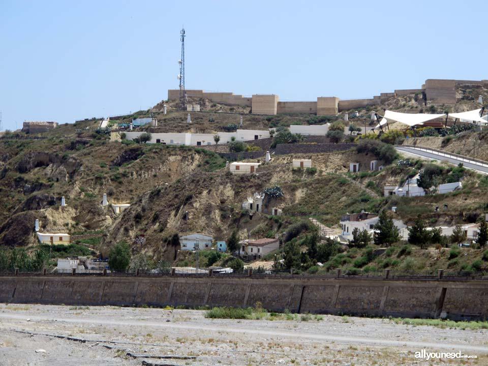Casas cueva castillo de Nogalte