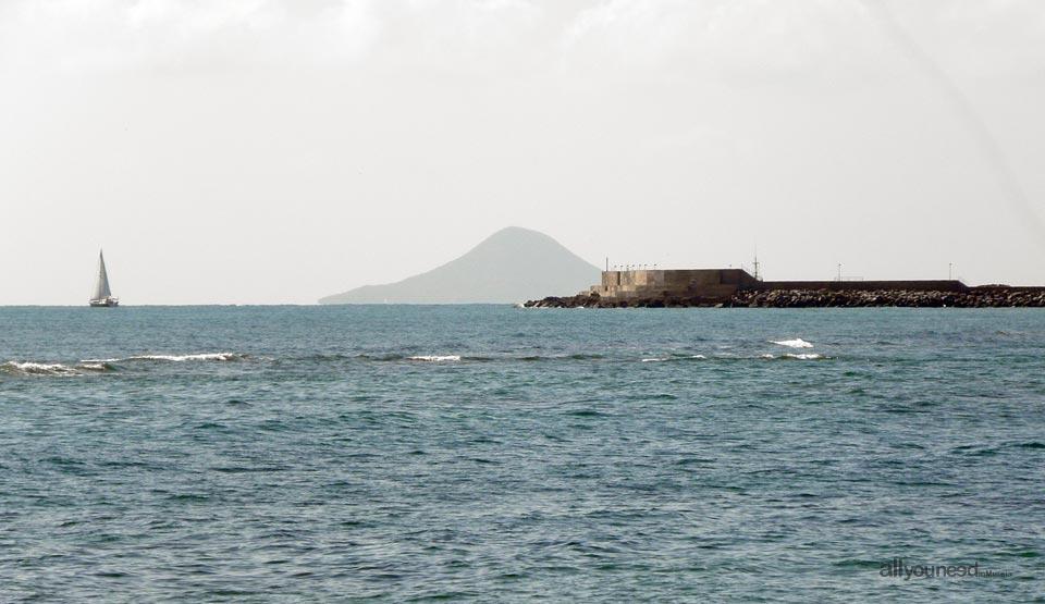 Puerto de San Pedro del Pinatar al fondo