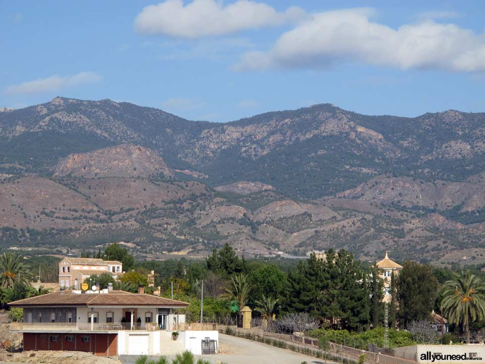 Los Huertos. Sierra Espuña al Fondo