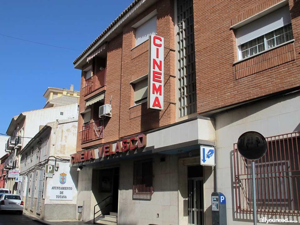 Calle Santa Eulalia. Sala de Artes Escénicas. Cine Velasco. Totana
