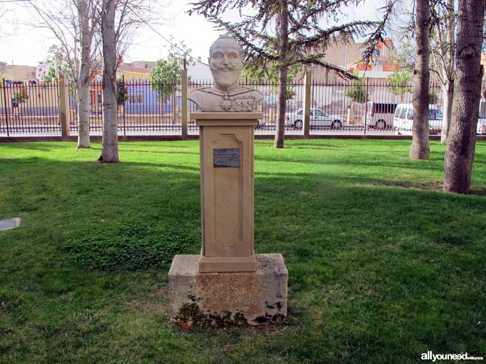 Parque municipal Marcos Ortiz. Busto compositor totanero