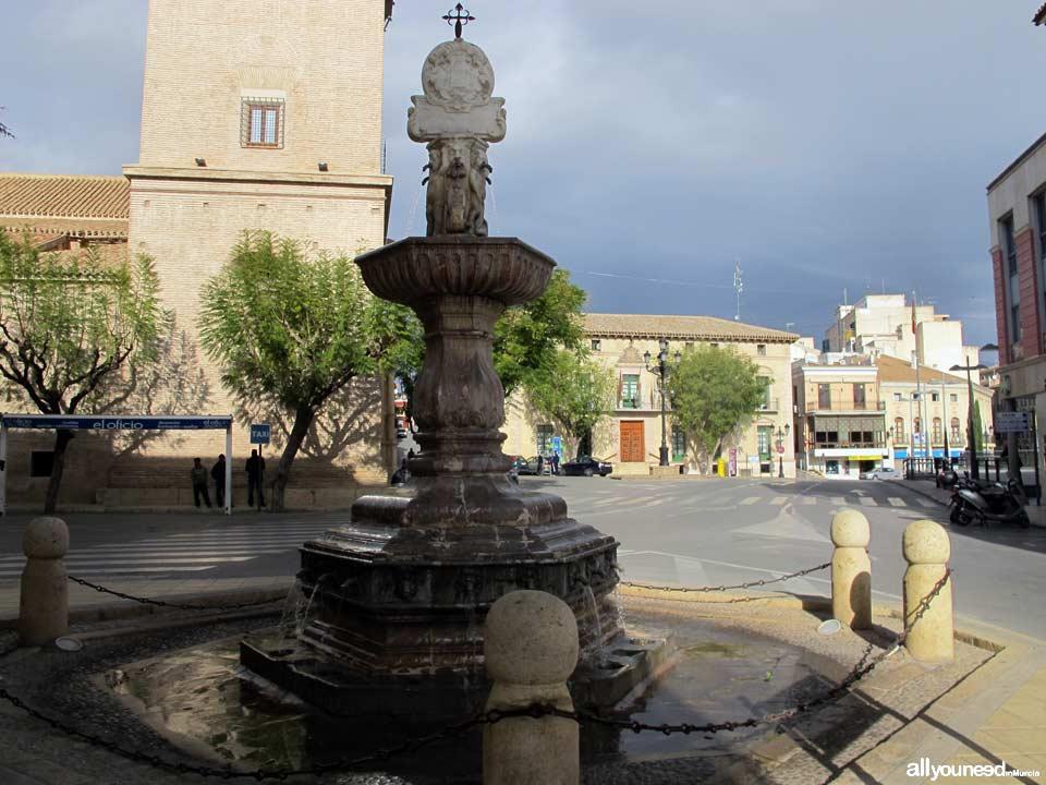 Plaza de la Constitución. Fuente Juan de Uzeta