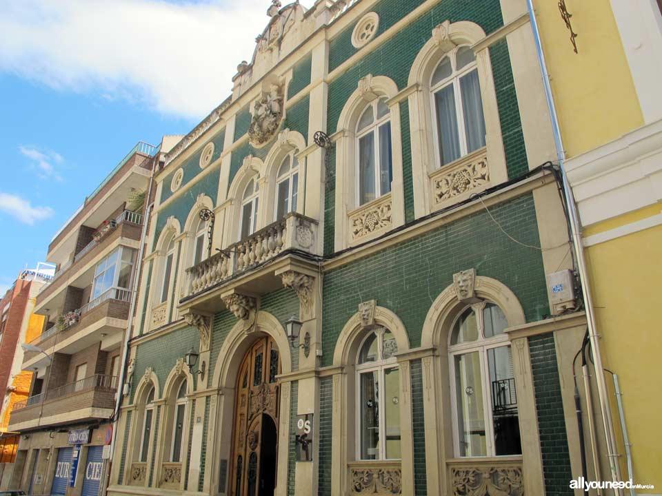Edificio junto al Museo